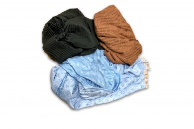 Winter Scarves / Hats / Gloves